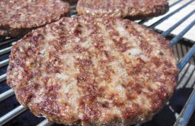 Gegrillte Hamburger Patties aus 100% Rindfleisch