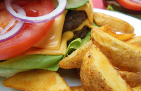 Hamburger mit Potato Wedges