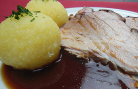 Spanferkel mit Kartoffelklöse